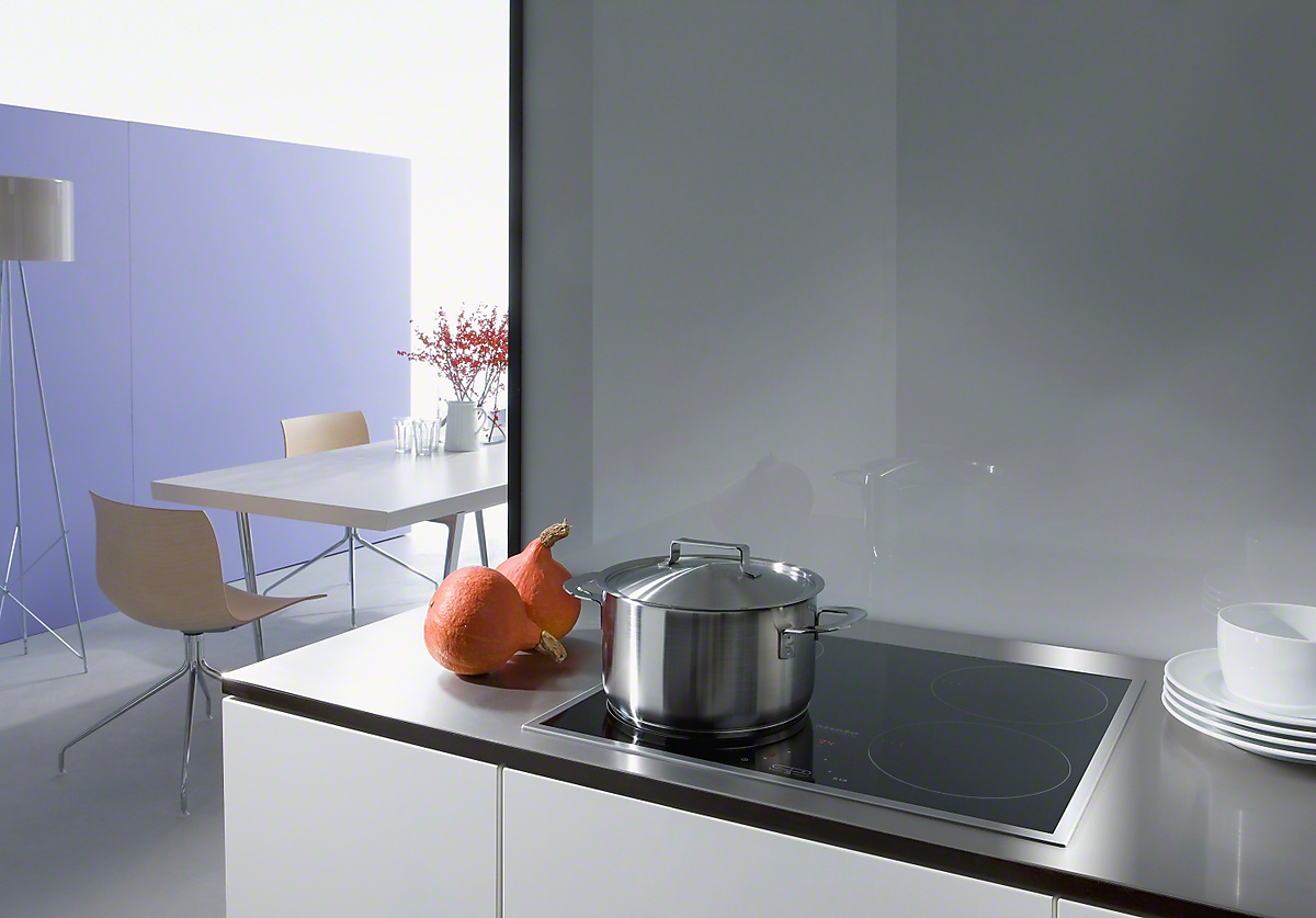 miele km 6115 induction hob with onset controls. Black Bedroom Furniture Sets. Home Design Ideas